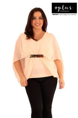 Čudovit ženski top ali bluza večjih velikosti.