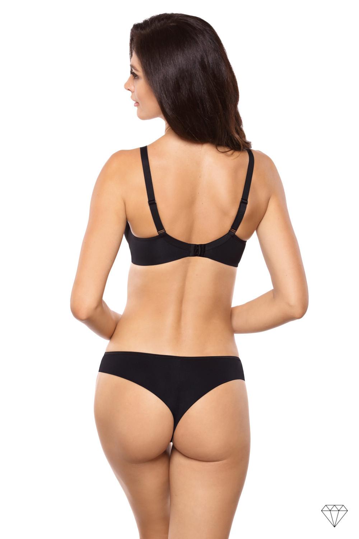 Črni brezšivni podložen nedrček kolekcije Venus omogoča popolno udobje in dvigne prsi, da ustvari lepo obliko. Oblikovan je iz gladke črne tkanine. Satenatsa pentljica med košaricama, da nedrčku eleganten pridih.