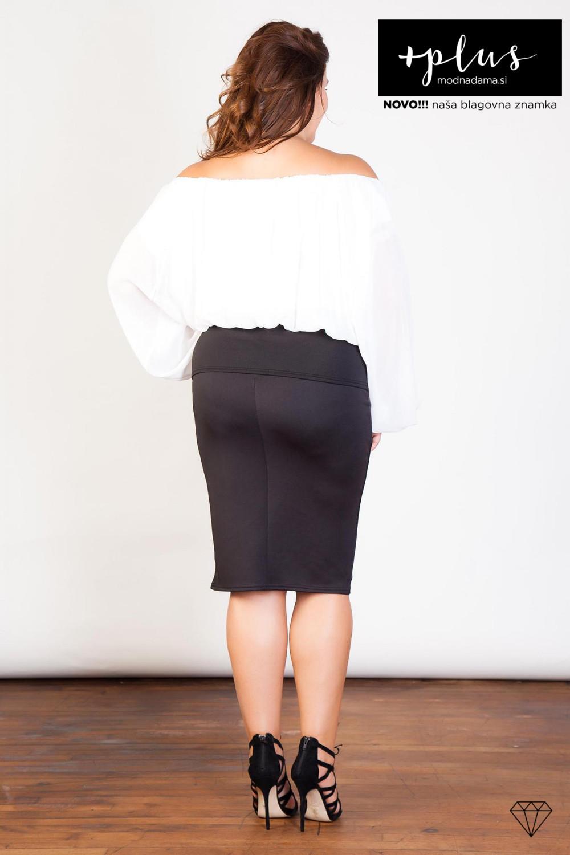 Čudovita črno-bela bluza z odkritimi rameni za močnejše ženske.