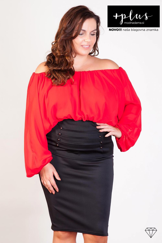 Čudovita rdeča bluza z odkritimi rameni za močnejše ženske.