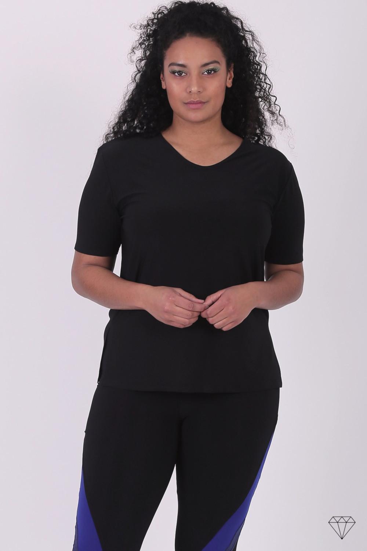 Črna viskozna majica s kratkimi rokavi za močnejše postave