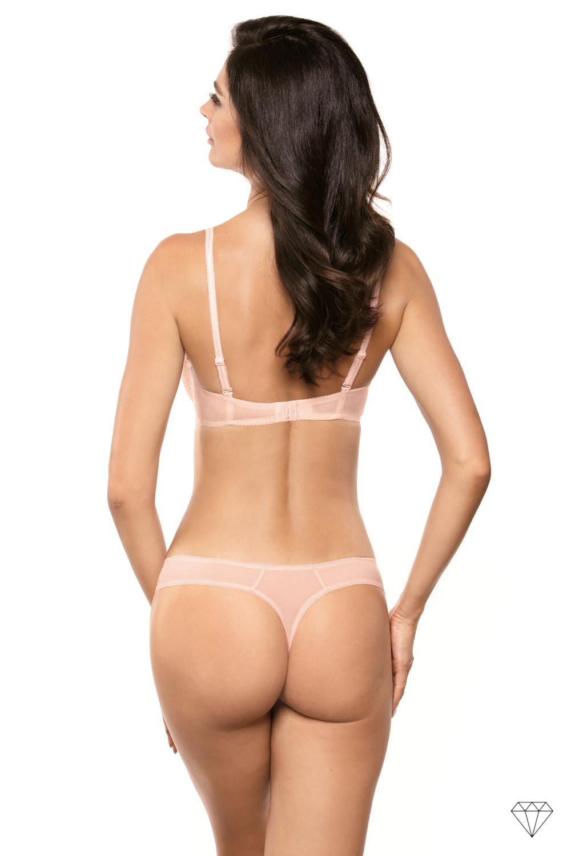 Prefinjen push-up nedrček kolekcije Siena zagavlja popolno udobje in dvigne prsi, da ustvari lepo obliko.  Stiliziran v elegantni kremni čipki in pikčasti tkanini v pudrasto roza odtenku. Košarice so krojene iz tanke pene (cca. 2 mm), z dodatno podložko v