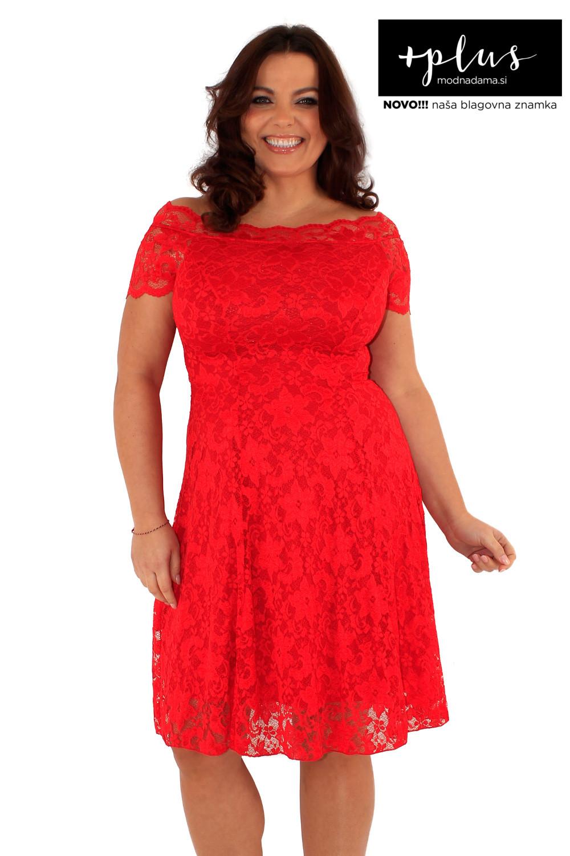 Čipkasta obleka Grace v rdeči barvi, ki jo priporoča tudi Urška Vučak Markež.