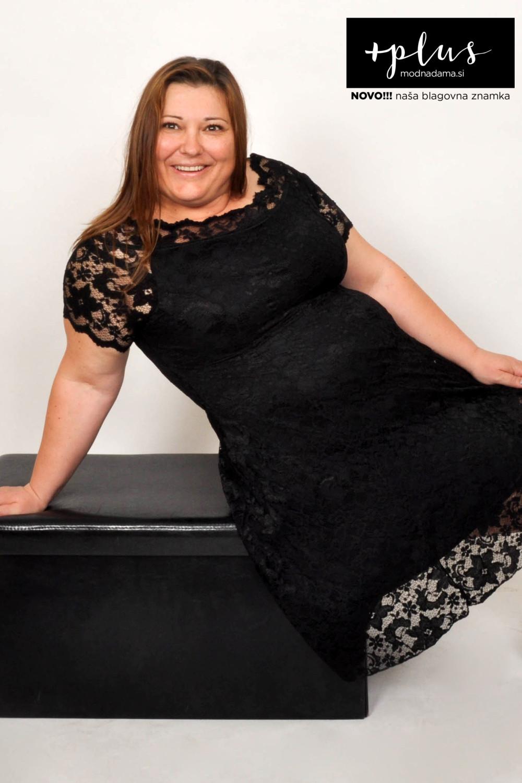 Čipkasta obleka Grace v črni barvi, ki jo priporoča tudi Urška Vučak Markež, je enakega kroja kot Coco.